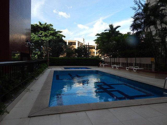 Lindo 2 qts com suite no melhor ponto da Barra da Tijuca - Foto 5