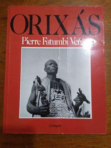 Livro Os Orixás, de Pierre Verger, usado em bom estado