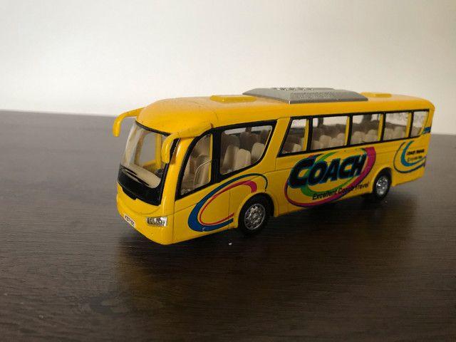5 ônibus em miniatura (usado) - Foto 2