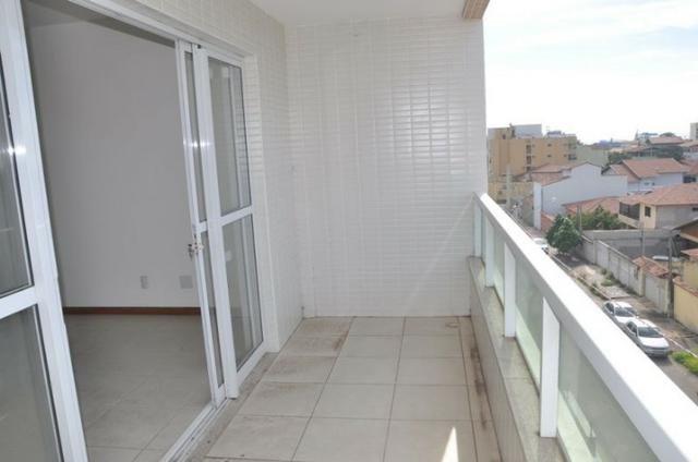 Apto c/ 3 qts/suíte, sala, cozinha, prédio c/ elevador, a 600 metros da praia. - Foto 7