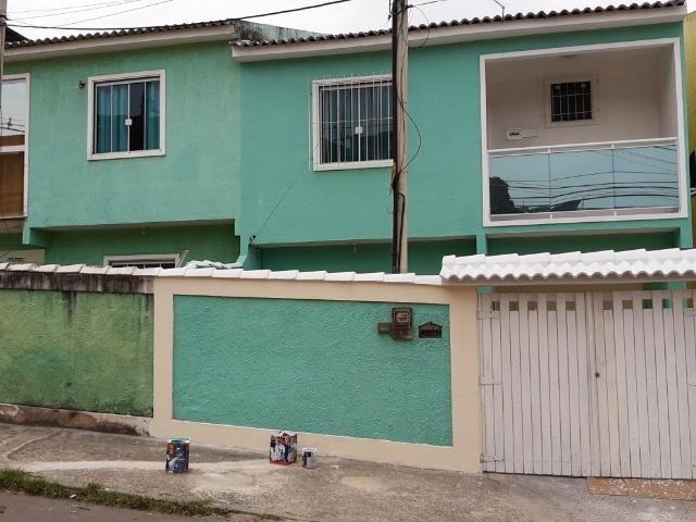 Vendo Casa Duplex - 2 Suites - 3 Banheiros - Garagem - Vila São Luis - Duque de Caxias