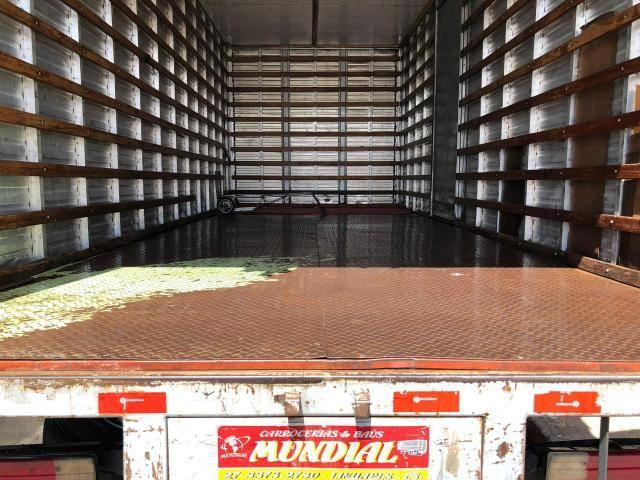 Caminhão baú com serviço agregado - Foto 5
