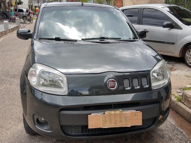 Fiat uno em perfeito estado, licenciamento em dias, sem multas, e dois pneus novos