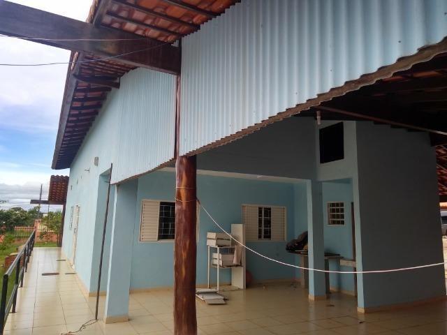 Allmeida vende bela casa com três quartos no Condomínio Mansões Entre Lagos - Foto 5