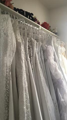 Vendo lote de vestidos para festa Noivas aceito proposta
