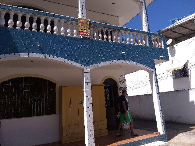 Casa 2/4 varanda em Itapuã