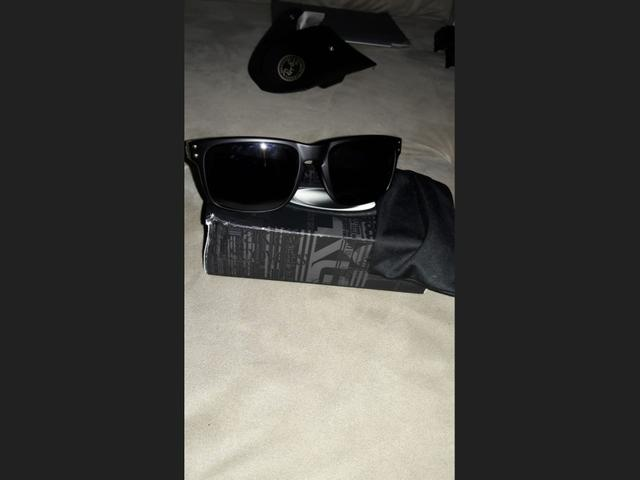 3a480a5bba577 Óculos de sol da marca oackley holbrook só venda.ORIGINAL COMPRADO NA ÓTICA  CAROL