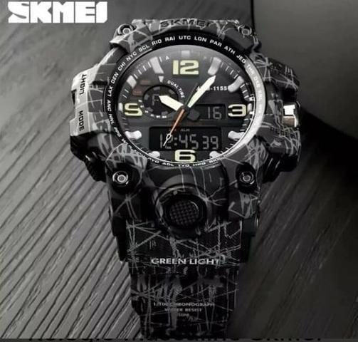 Relógio importado, novo, a prova d'água