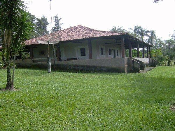 Fazenda escriturada perto de Brasília Santo Antônio Goiás formada 51 alqueires