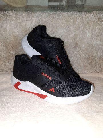 Tênis Adidas Fit preto * 9 8 6 0 0 - 1 0 2 1 - Foto 2