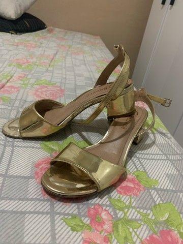 Vendo sandália salto bloco