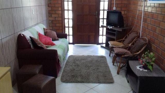 Aluga-se casa para veraneio em Arambaré 01 quadra da praia