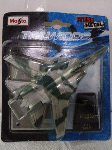 Miniatura de Avião de Metal F-14 Tomcat da Maísto