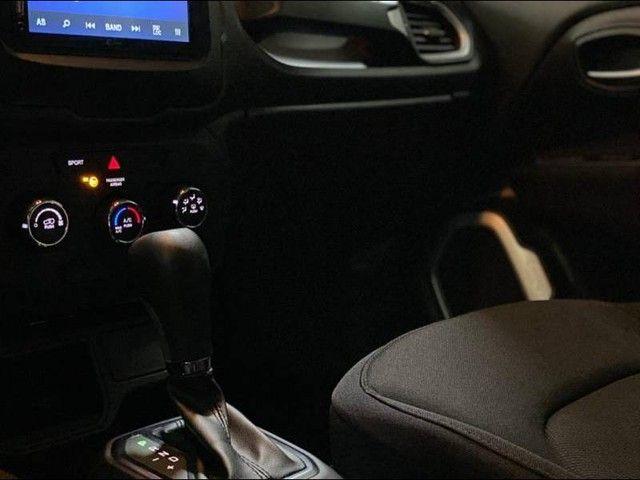 Jeep Renegade Sport 1.8  - Foto 16