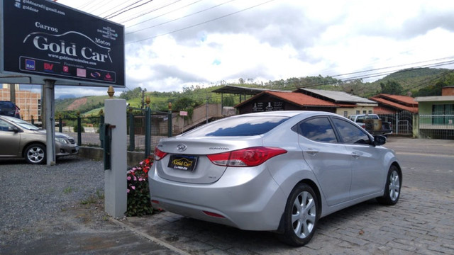 Hyundai Elantra GLS 1.8 2013 - Foto 2