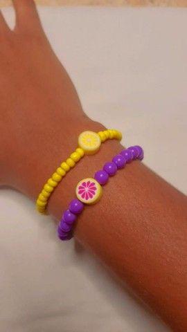 Pulseiras personalizadas para vender feitas a mão nosso instragam: ju_pulseiras  - Foto 6
