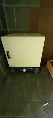 Vendo estufa p esterilização de material