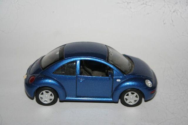 Miniatura Metal New Beetle Maísto - Foto 6