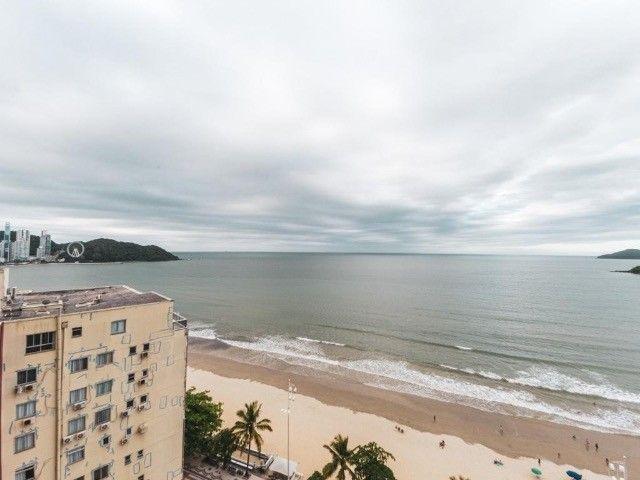 Oportunidade Frente Mar em Balneário Camboriú - 04 Quartos - Com Churrasqueira a Carvão  - Foto 15