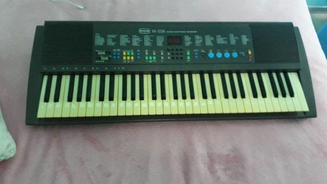 Vendo teclado cce