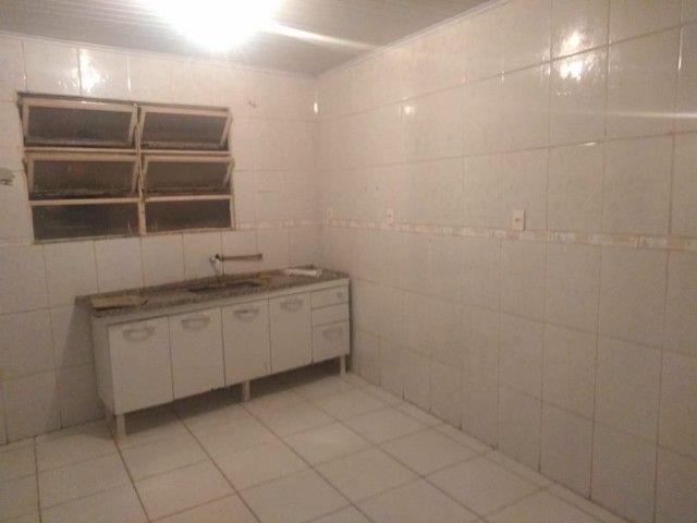 Vende-se 2 CASAS COM EXCELENTE PREÇO - Foto 2