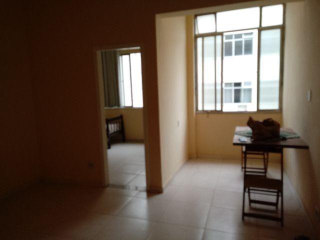 Excelente apartamento sala 02 dormitórios com dependências de empregada centro cascadura
