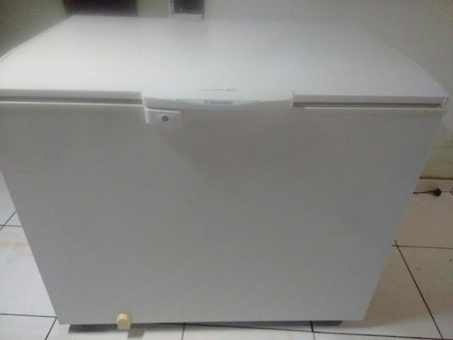 Freezer Electrolux H300 em Santana