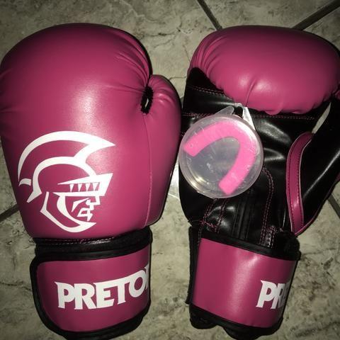 Luva de boxe/muay thai Pretorian Semi Nova