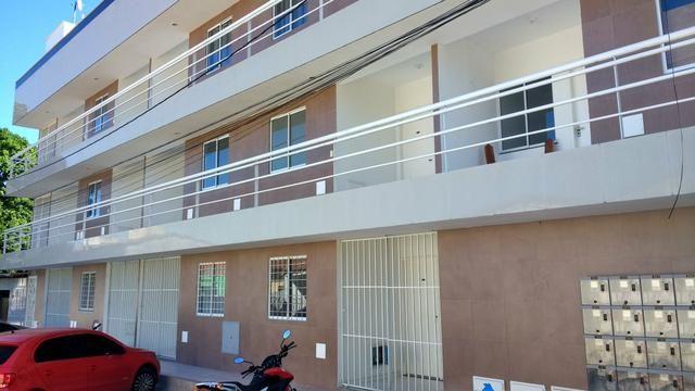 Lindo apartamento de cobertura ,,850.00 excelente localização com área de lazer privada