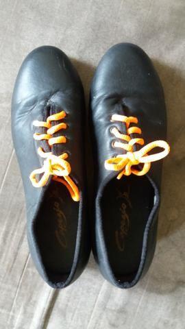 Sapato de sapateado de marca