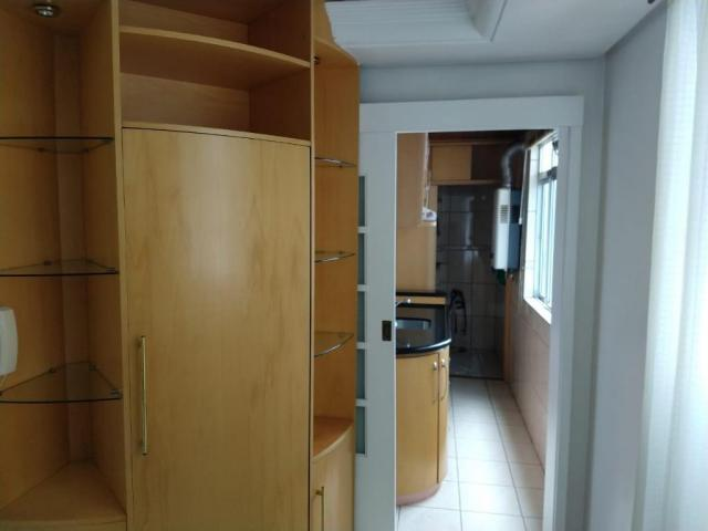 Apartamento de frente, 3 dormitórios, com água quente, localização privilegiada, oportunid - Foto 4