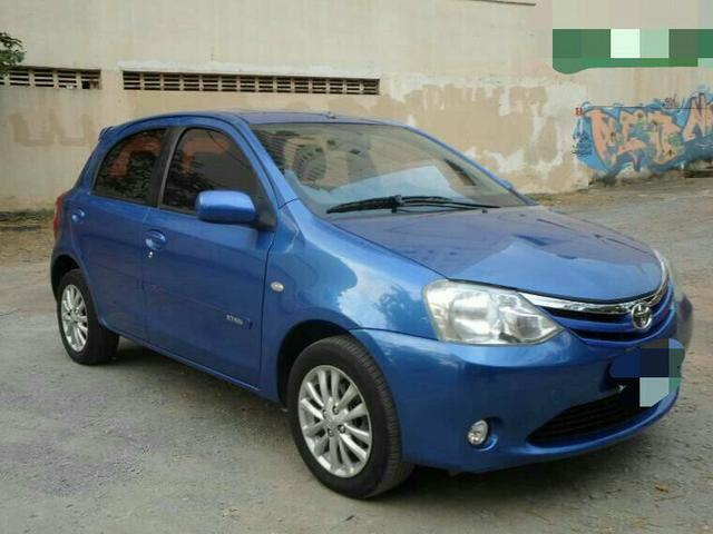 etios hatch xls flex - 2013