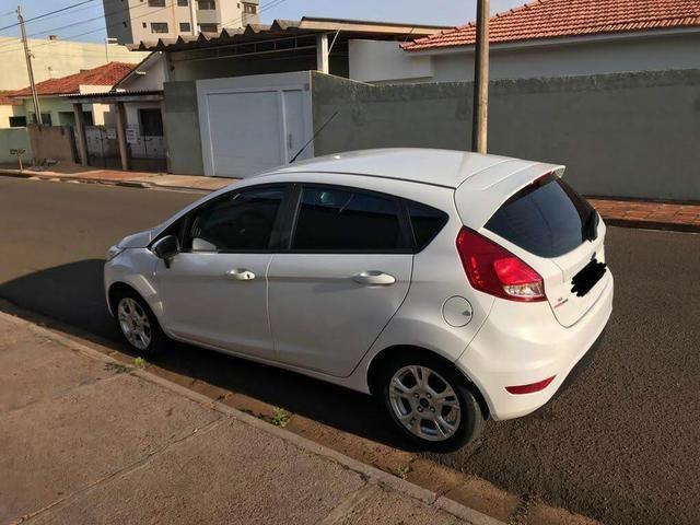 Ford Fiesta Hacth 1.6 AT - Foto 2