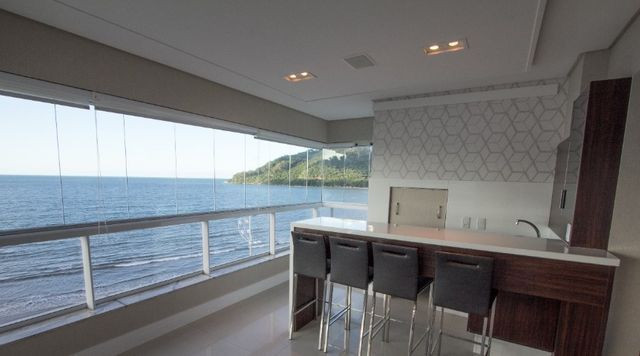 Apartamento Frente Mar Mobiliado e Decorado - Foto 5
