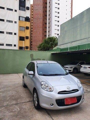 Nissan March SV 1.6 2013/2014 16V Prata Classic