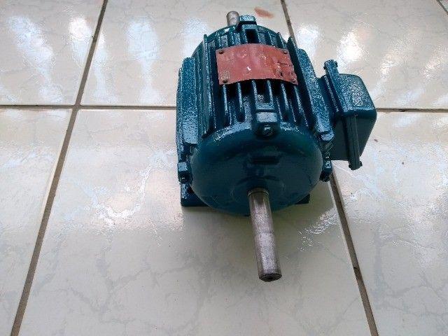 Motor Elétrico Trifásico Duplo Eixo Weg 075cv 1140rpm usado - Foto 3