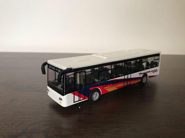 5 ônibus em miniatura (usado) - Foto 5