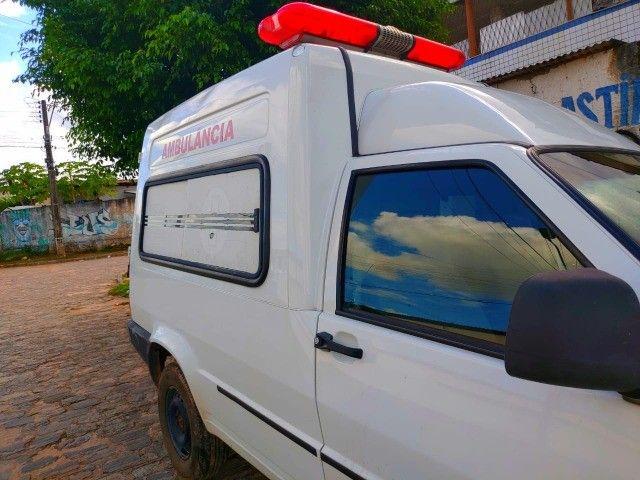Vende-se ambulância completa - Foto 4