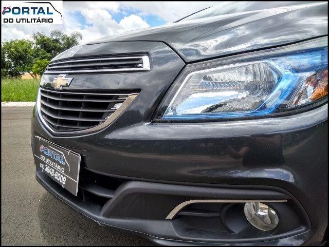 Chevrolet Onix Hatch LT - 2016 - Cinza, 1.4 Flex, Único Dono, Baixíssimo Km !! - Foto 11