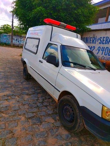 Vende-se ambulância completa - Foto 2