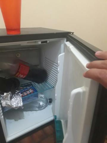 Vendo ou troco frigobar em celular ou xbox