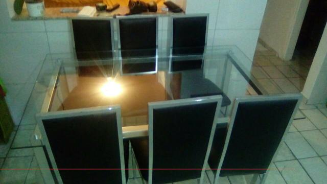 Mesa 6 cadeiras em couro