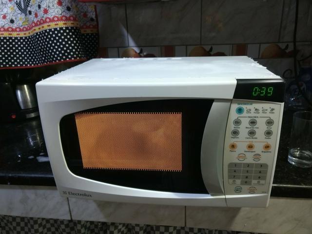 Lindo Microondas Electrolux 20 litros