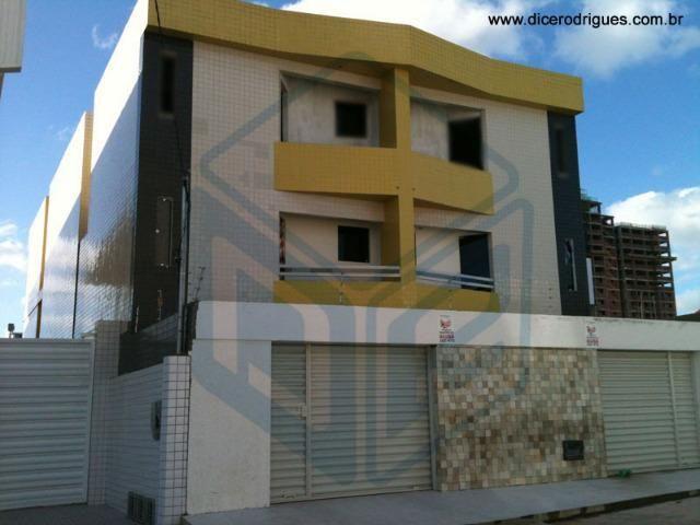 Apartamento com 2 Quartos (Suíte) no bairro do Catolé (Condomínio Incluso)