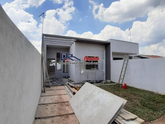 Linda casa com Jardim De Inverno no bairro Eucaliptos de Fazenda Rio Grande!