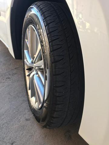 Corolla XEI 2015 branco perolizado. Carro extra com 65 mil km!
