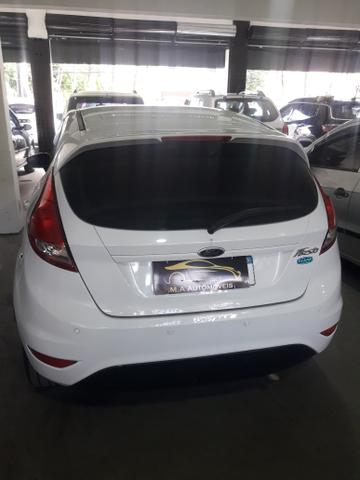 Ford New Fiesta 1.5 Hatch L S Flex 4P Manual c/ GNV (+ pequena entrada) - Foto 9