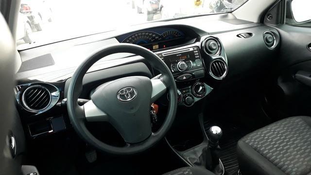 Toyota Etios xs 1.5 - Foto 3