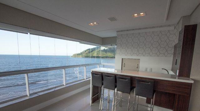 Apartamento Frente Mar Mobiliado e Decorado - Foto 7