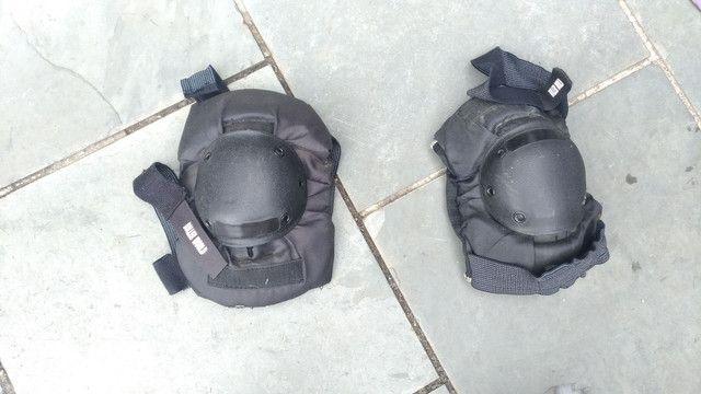 Kit de proteção completo + BÔNUS patins usado. - Foto 5
